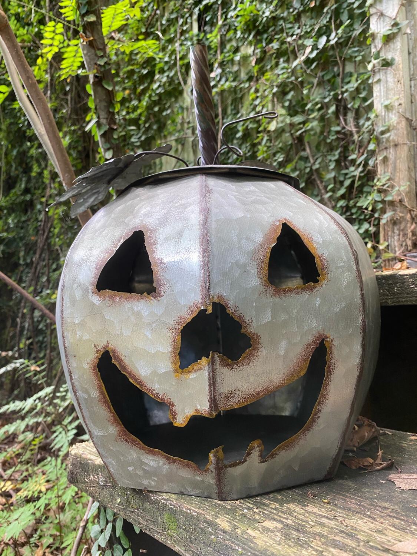 Large Jack O'lantern
