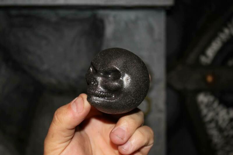 Foam Skull Throwing Orb