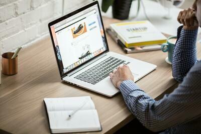 Pachet 1 ora Live Chat - Asistent Suport clienți magazine online WP+WOO/PrestaShop/custom