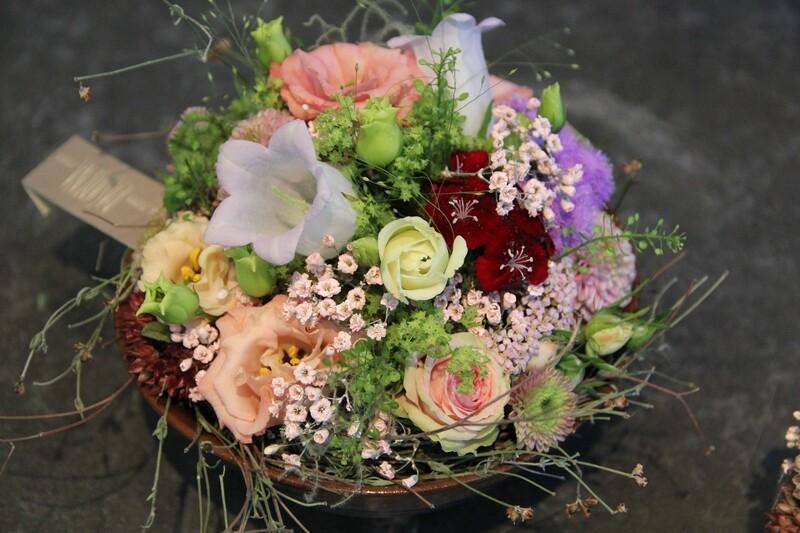 Überraschunggesteck mit Schnittblumen