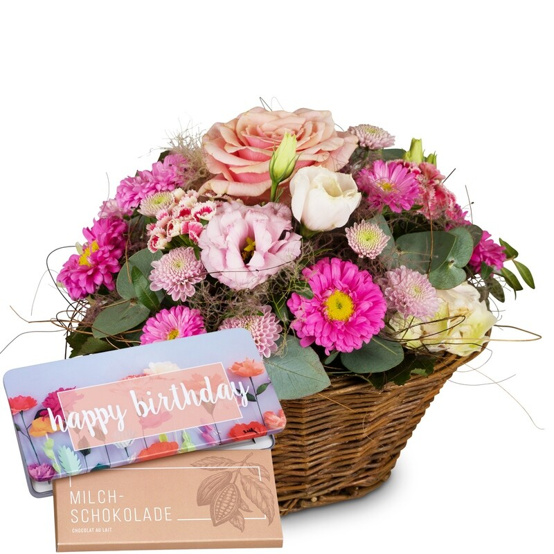 Gesteck in Korb rosa Tönen mit Schokoladentafel Happy Birthday