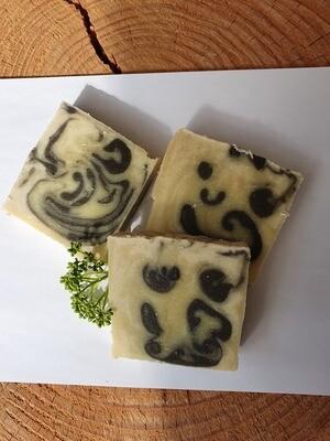 Torso der Herrenduft,vegan, handgemachte Seife, mit Kakaobutter und Olivenöl, geeignet für trockene und normale Haut