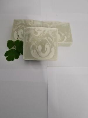 Veilchen Seife vegan, handgemachte Seife, mit Kakaobutter und Olivenöl, geeignet für trockene und normale Haut