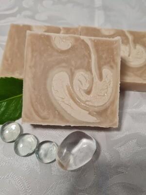 Flieder Seife  für die trockene empfindliche Haut, vegan