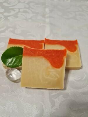 Sanddornseife, handgemacht und geschnitten, vegan, mit Kakaobutter, für die empfindliche trockene Haut.