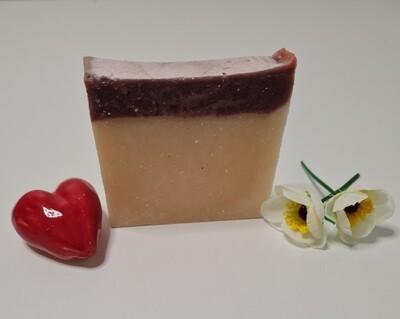 Grand Dame Seife, handgemacht und vom Block geschnitten,vegan, mit Kakaobutter und Olivenöl