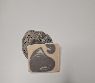 Torso der Herrenduft, vegan, mit Kakaobutter und Olivenöl, geeignet für trockene und normale Haut