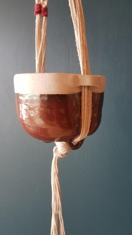 Tomato Vase in Macrame Hanger
