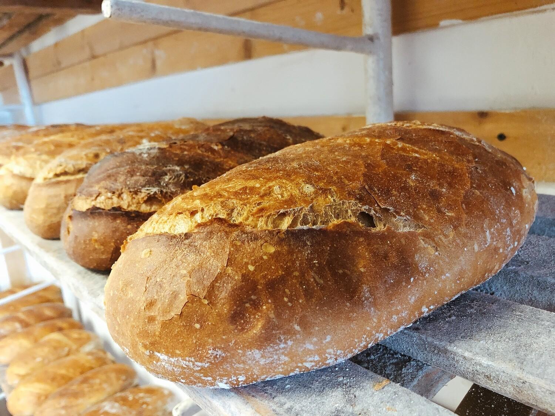 Chleb wiejski na zakwasie mały 700g krojony
