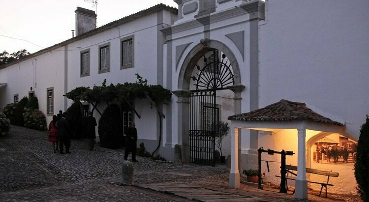 QUINTA DO SANGUINHAL - ESTATE TOUR , GUIDED WINE TASTING AND MEAL