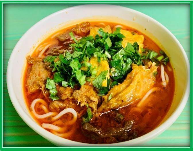 (E3) Hue Spicy Noodle (Bún Huế)