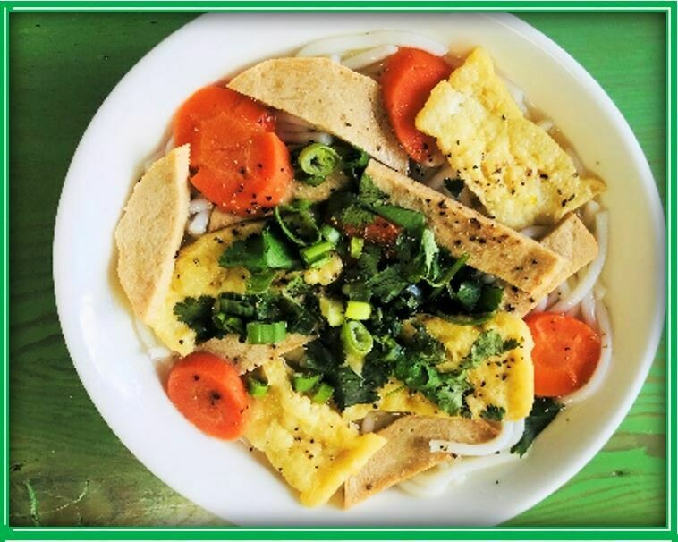 (E4) Noodle Soup (Bánh Canh)