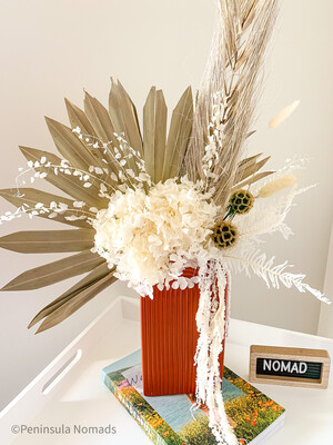 Dried Flower Arrangement Bisqi