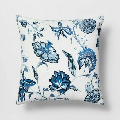 Square Pillow White/Blue R:19.99