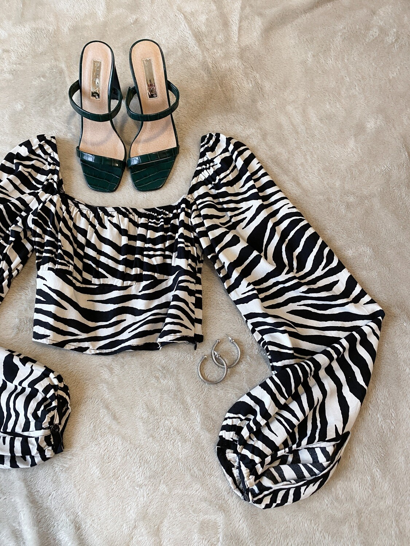 Zebra Puff Sleeve Crop
