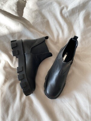Black Thick Rubber Sole Boots