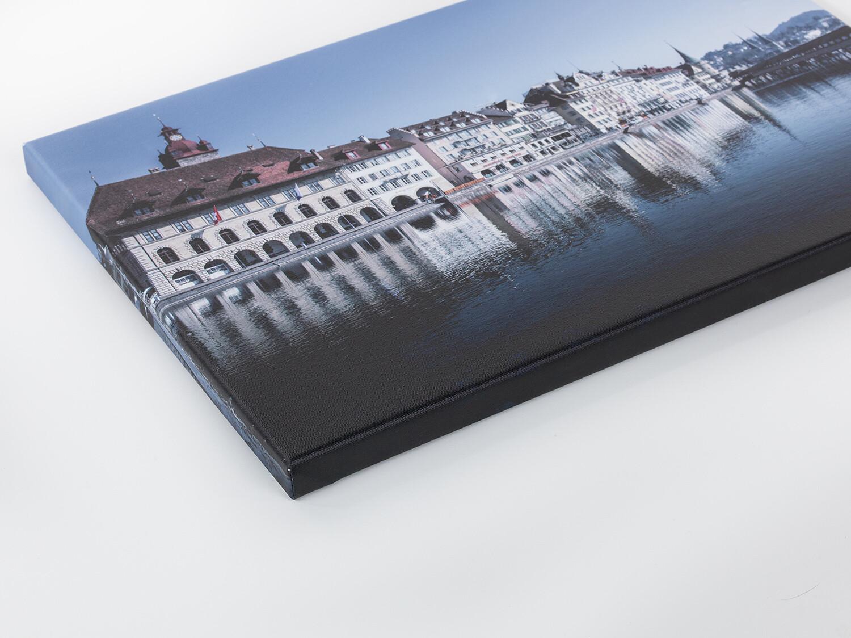 60 x 50 cm – Leinwand