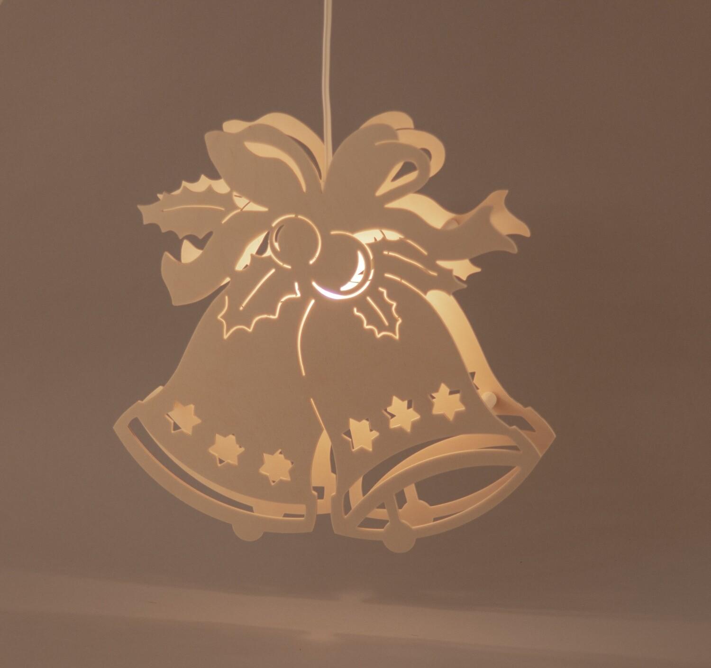 Fensterbild Glocke mit Schleife beleuchtet