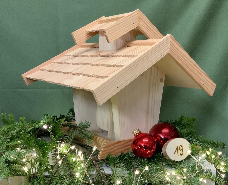 19. Dezember Vogelhaus mit Dachschindeln