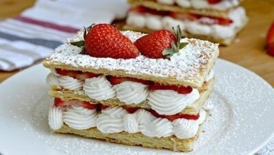 Milhojas chantilly y fresas