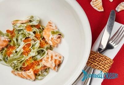 Фетучини со шпинатом и лососем, 230 гр