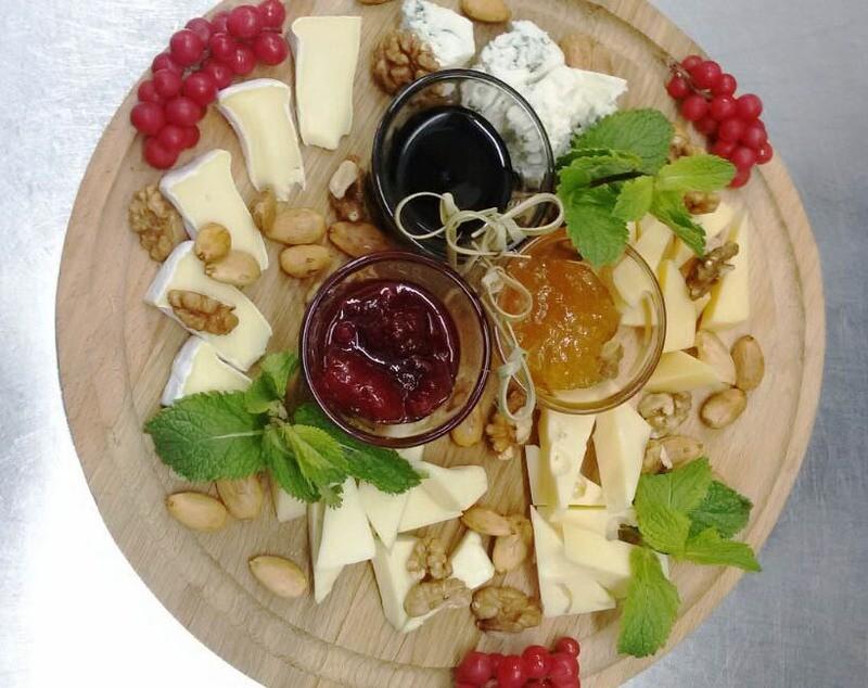 Сырная тарелка, 330 гр