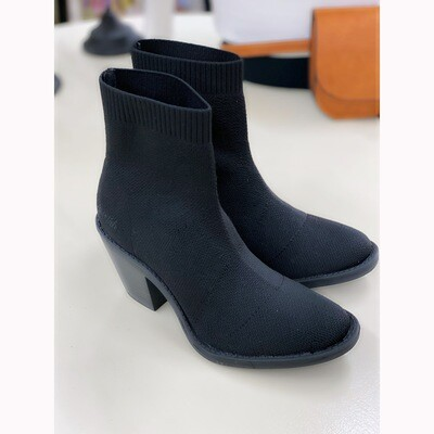 LUCKEY BLOWFISH KNIT BOOTIE