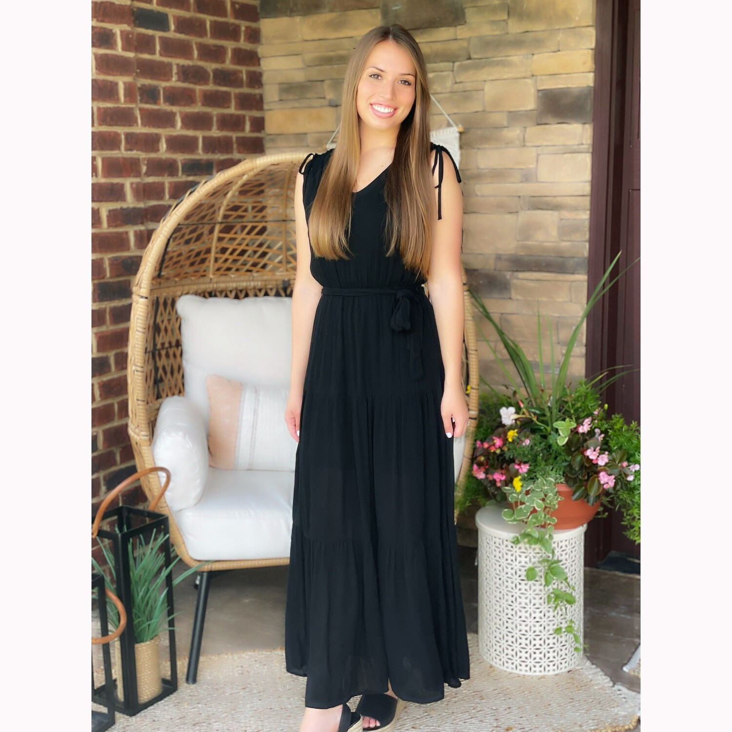 HOLD YOUR ATTENTION MAXI DRESS