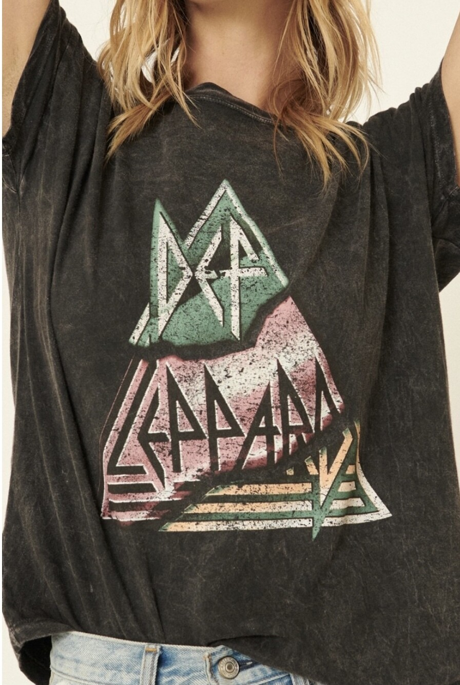 DEF LEPPARD MINERAL WASHED TEE