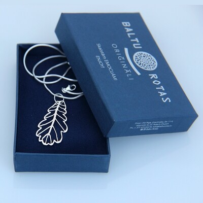 Silver large oak pendant with chain