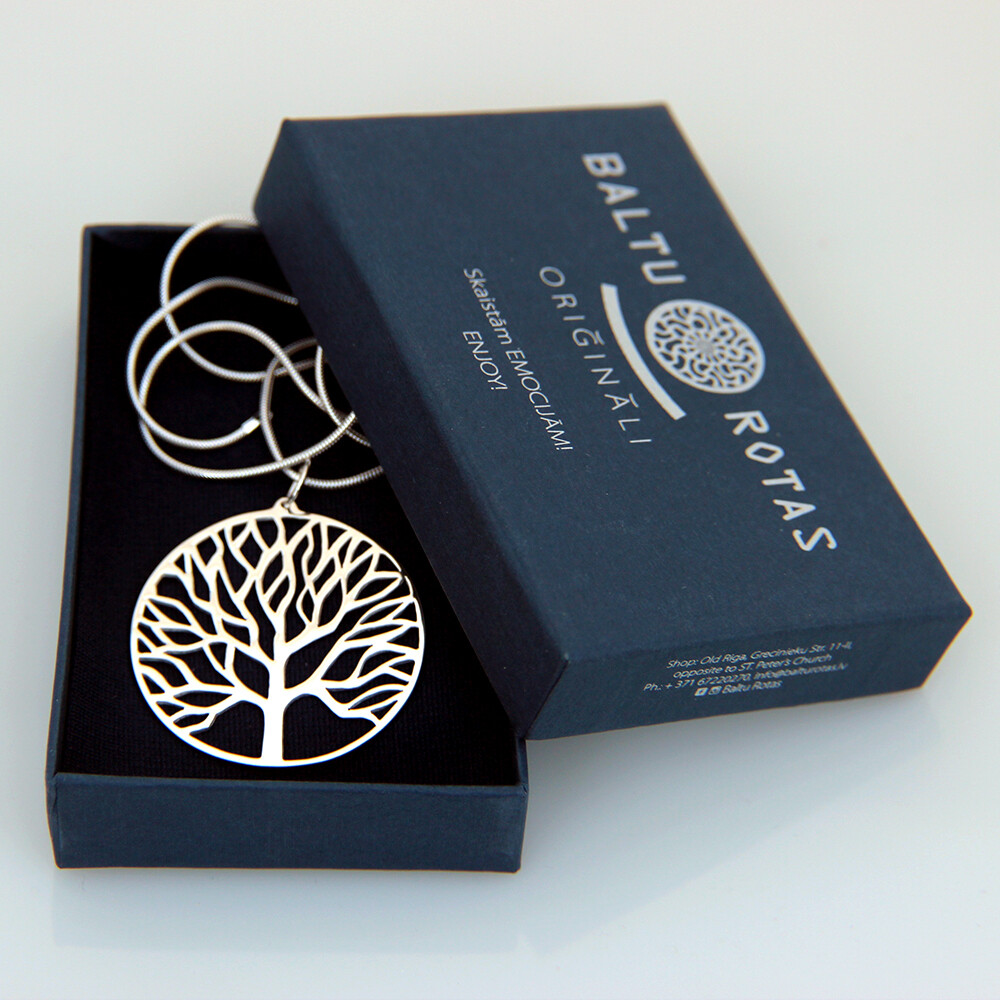 Pendant tree with chain