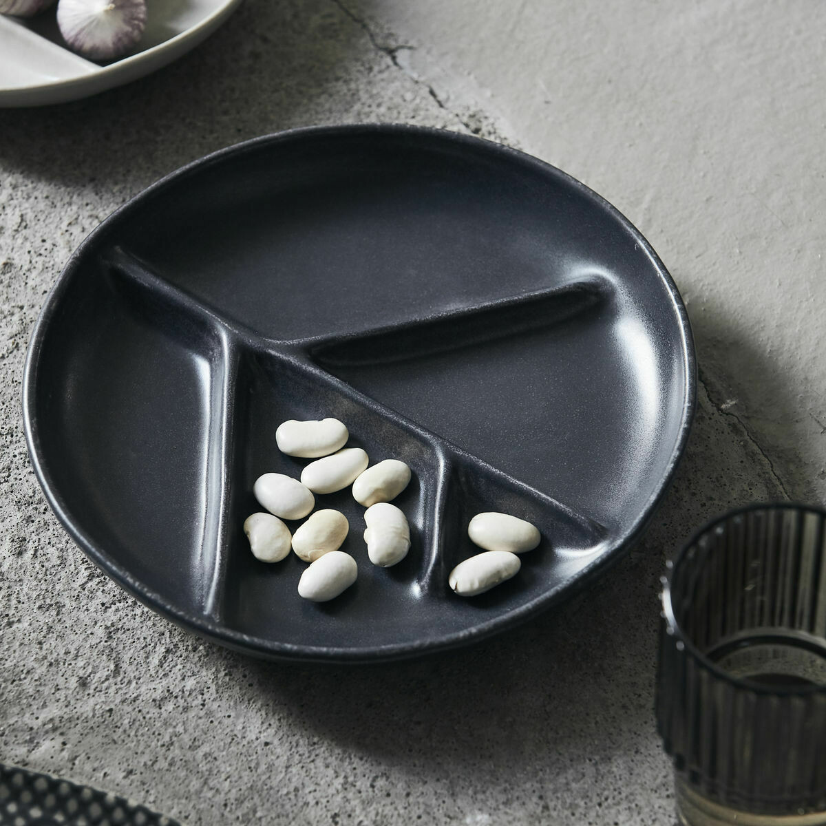Plate, Branch, Dark grey