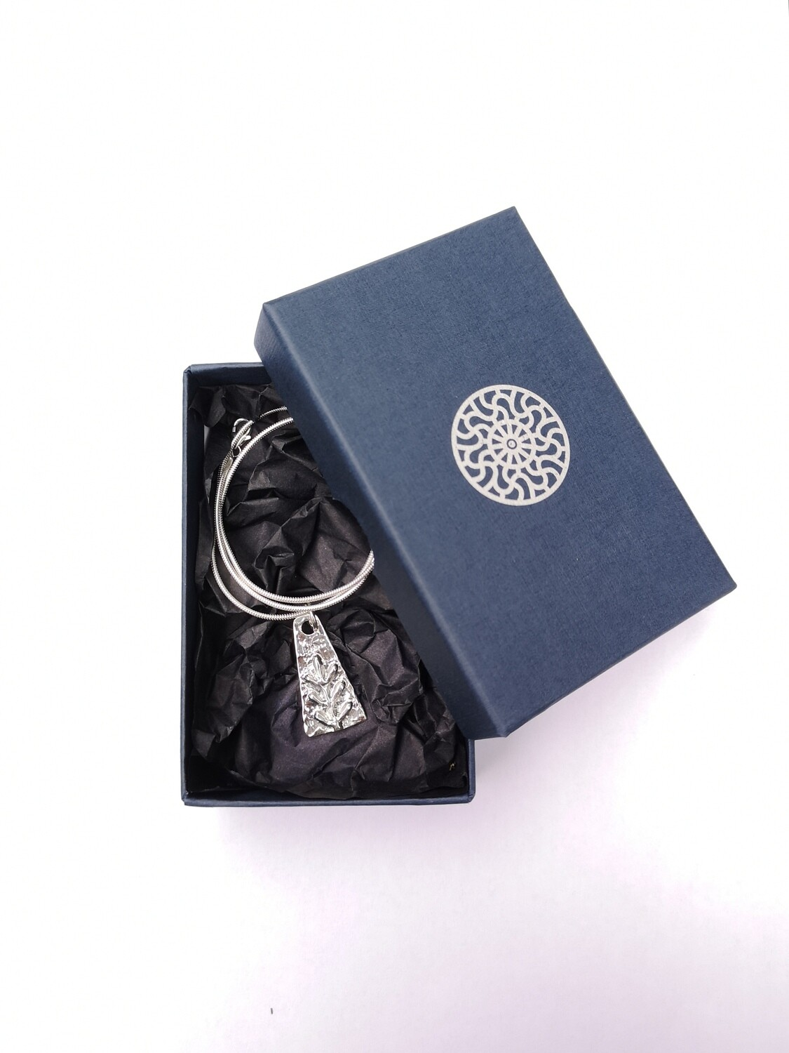 Pendant with symbol of Luck
