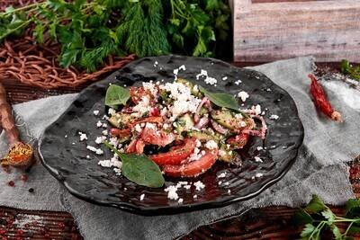 Салат грузинский с орехами