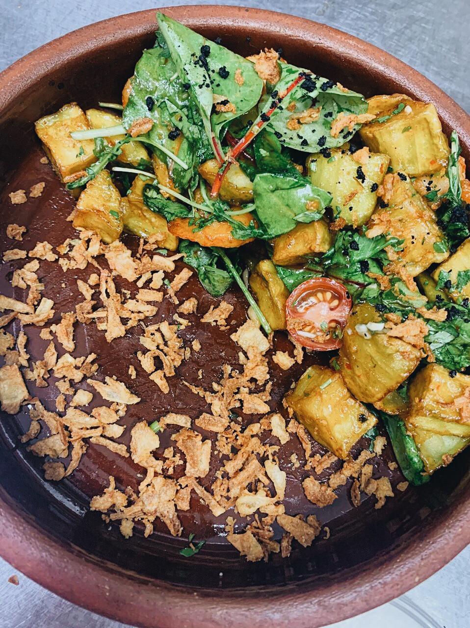 Салат с креветками и баклажаном