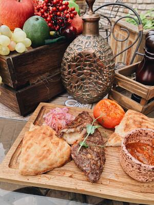 Кёфте из говядины с сыром сулугуни