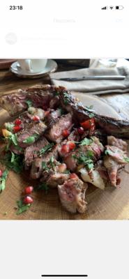 Кавказский стейк из говядины на кости