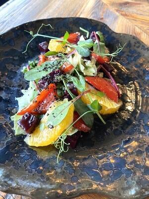 Салат с копченой  свёклой