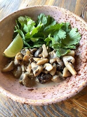 Тёплый салат с грибами