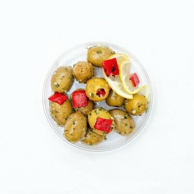 Oliven mit Paprika gefüllt