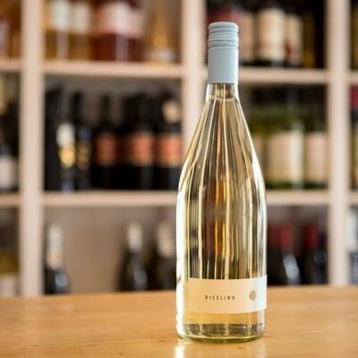 Weiß - Riesling - leicht und spritzig - Sommerweine 2020