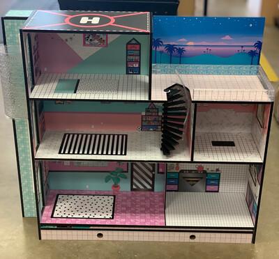 L.O.L Dollhouse - Used