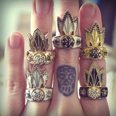 Lux Divine Tiger Lily Ring Wht