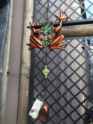 Regal Frog Garden Bell
