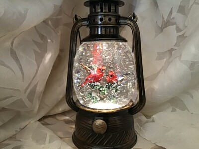 Small Cardinal Lantern Snow Globe