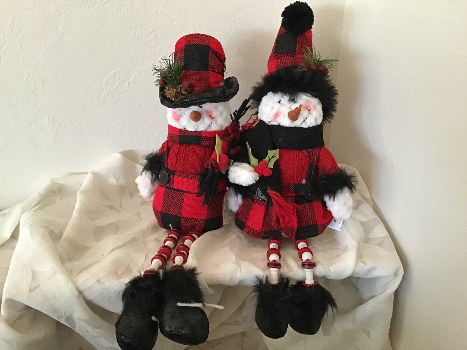 Shelf Sitting Snowpeople