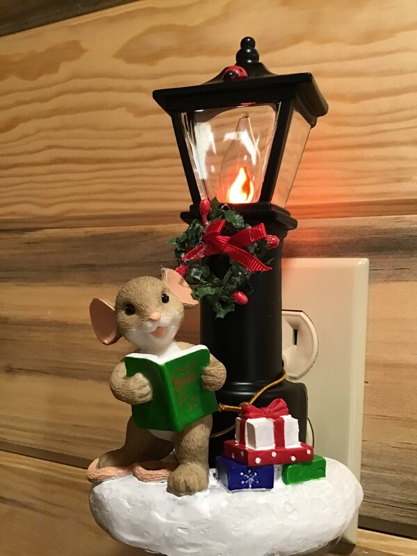 Mouse and Lamppost Light