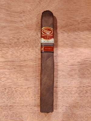 Padron Family Reserve 45 Maduro Cigar