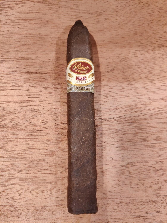 Padron No.2 Maduro 1926 Cigar D15