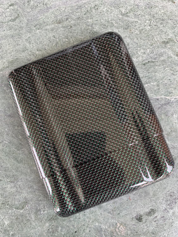Silver And Green Kevlar Carbon Fiber 5 Cigars Case